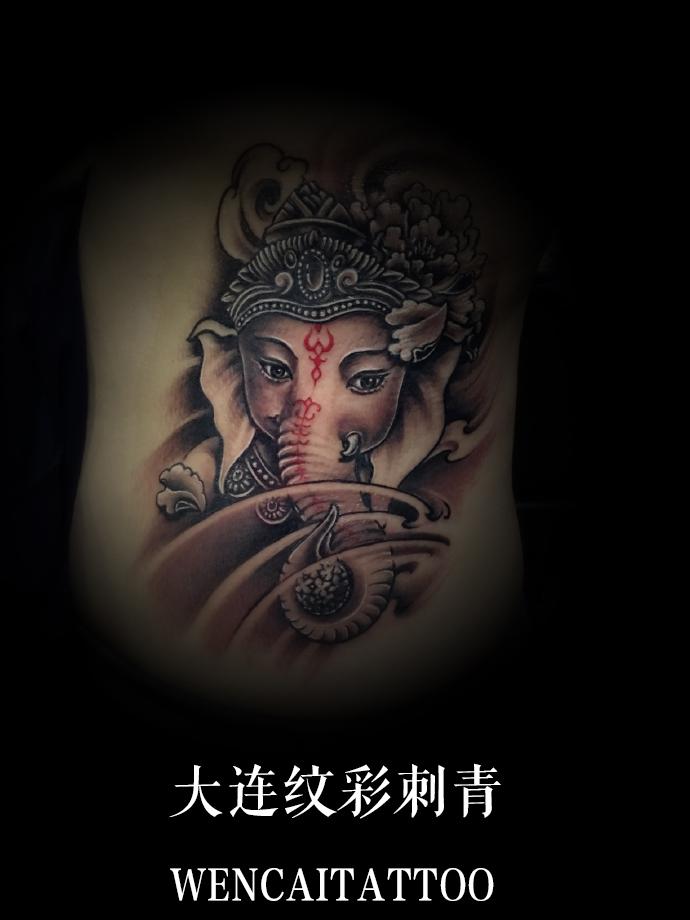霸气的宋先生后背象神纹身_大连纹身店哪里最好_价格.