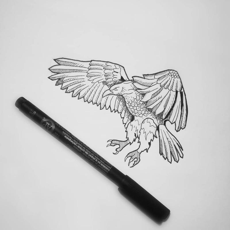 大连西南路小区某鲜花店老板宦先生鹰纹身手稿