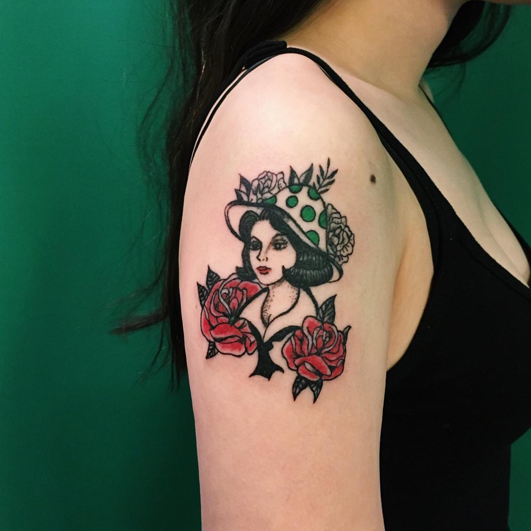 大臂oldschool美女纹身图案