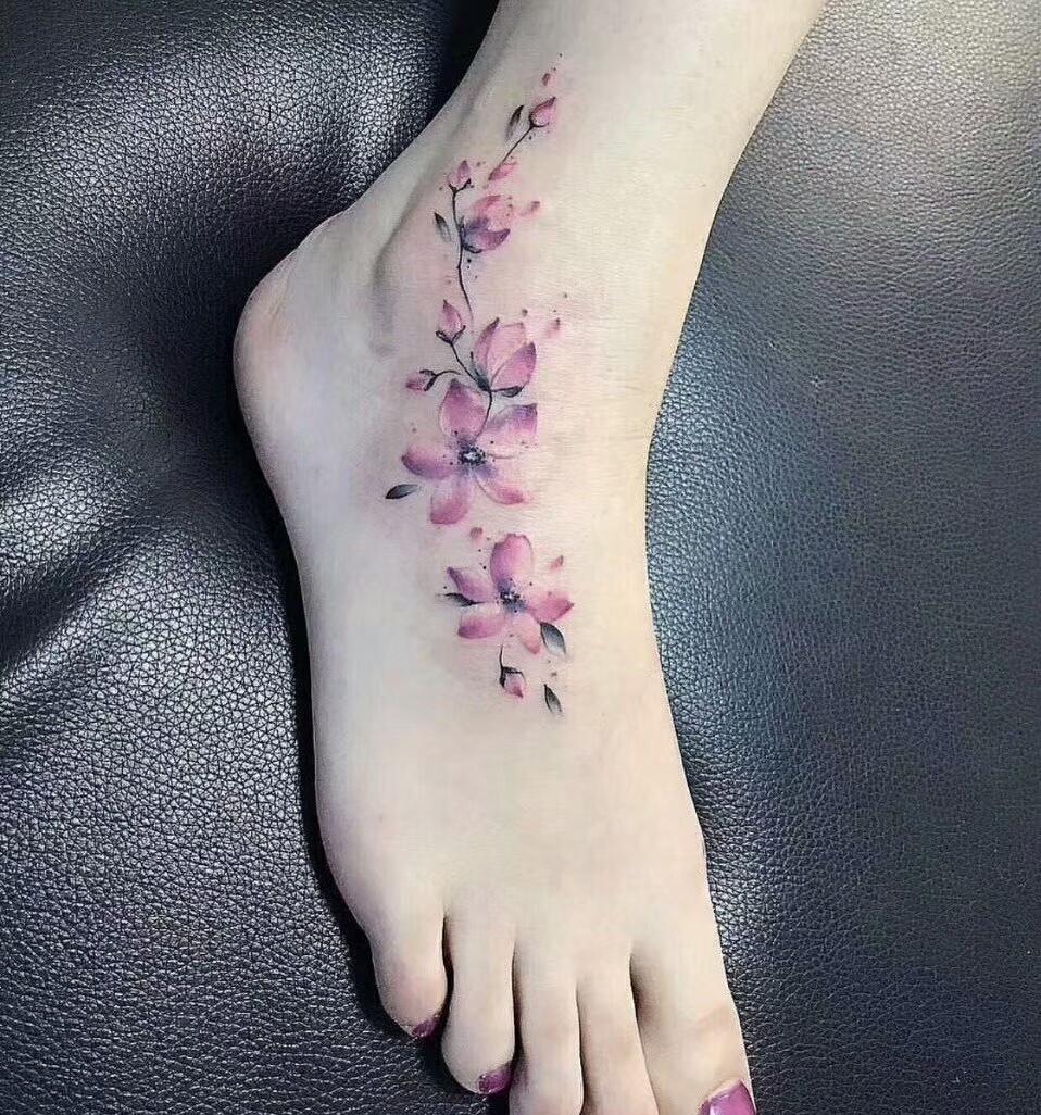 脚背樱花纹身图案图片